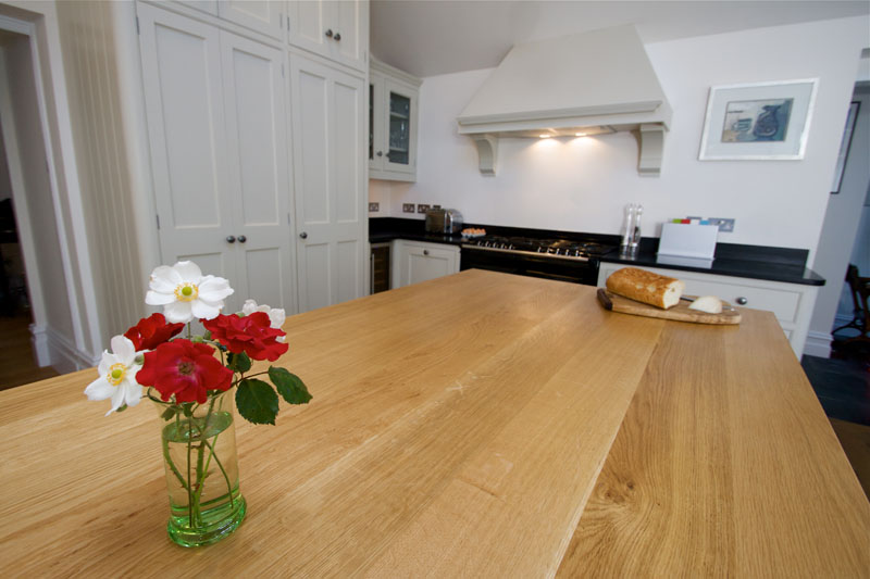 Stylish Breakfast Bar In A Different Material To The Worktop photo - 4