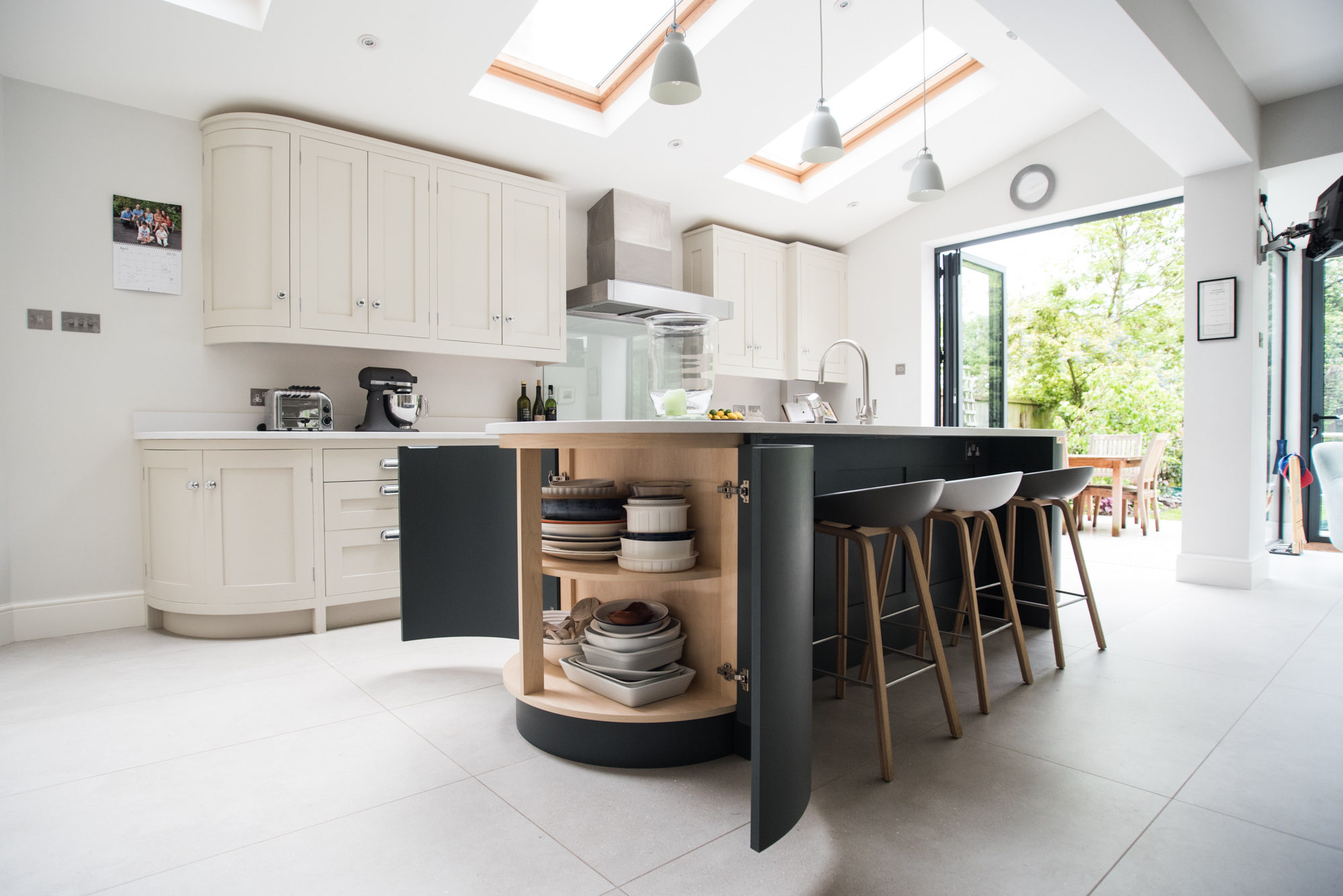 Creating A Family Friendly Kitchen - George Robinson Kitchens